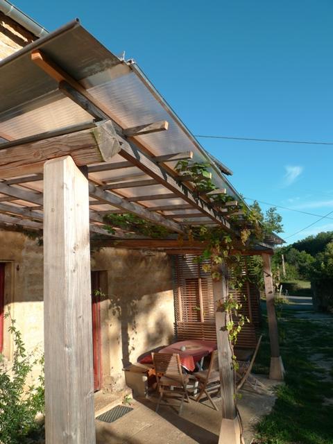 http://www.atelierhamot.fr/W1/wp-content/uploads/2010/08/pergola-couverte-3.jpg