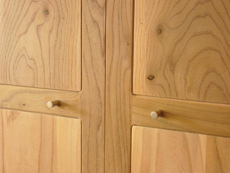 http://www.atelierhamot.fr/W1/wp-content/uploads/2011/02/armoire-orme-detail.jpg
