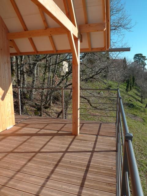 http://www.atelierhamot.fr/W1/wp-content/uploads/2011/02/maison-bois-sur-pilotis-4.jpg
