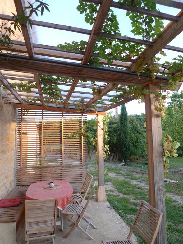 http://www.atelierhamot.fr/W1/wp-content/uploads/2011/02/pergola-couverte-21.jpg