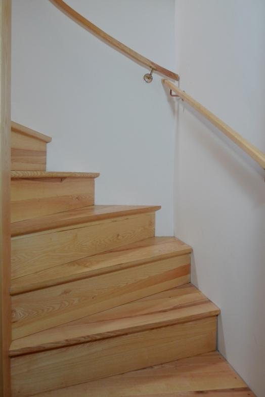 escalier balanc atelier hamot. Black Bedroom Furniture Sets. Home Design Ideas