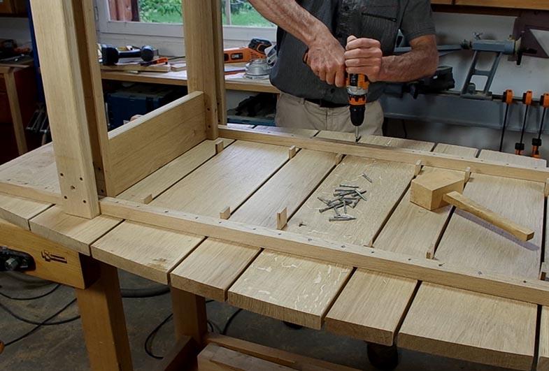http://www.atelierhamot.fr/W1/wp-content/uploads/2019/07/table-ext-chene-3.jpg